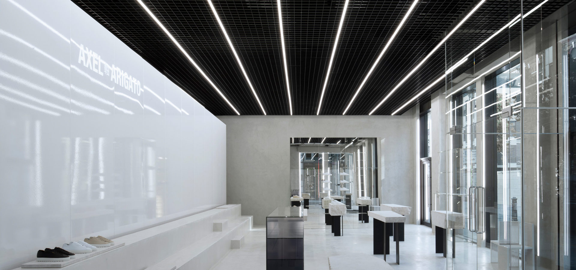 Luxsystem puristic Shop lighting Axel Arigato London Led light line