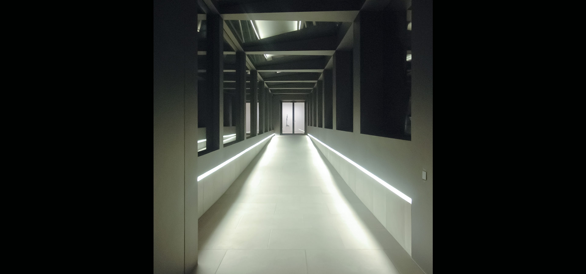 Luxsystem Berggruen architectural lighting linear design 20.2