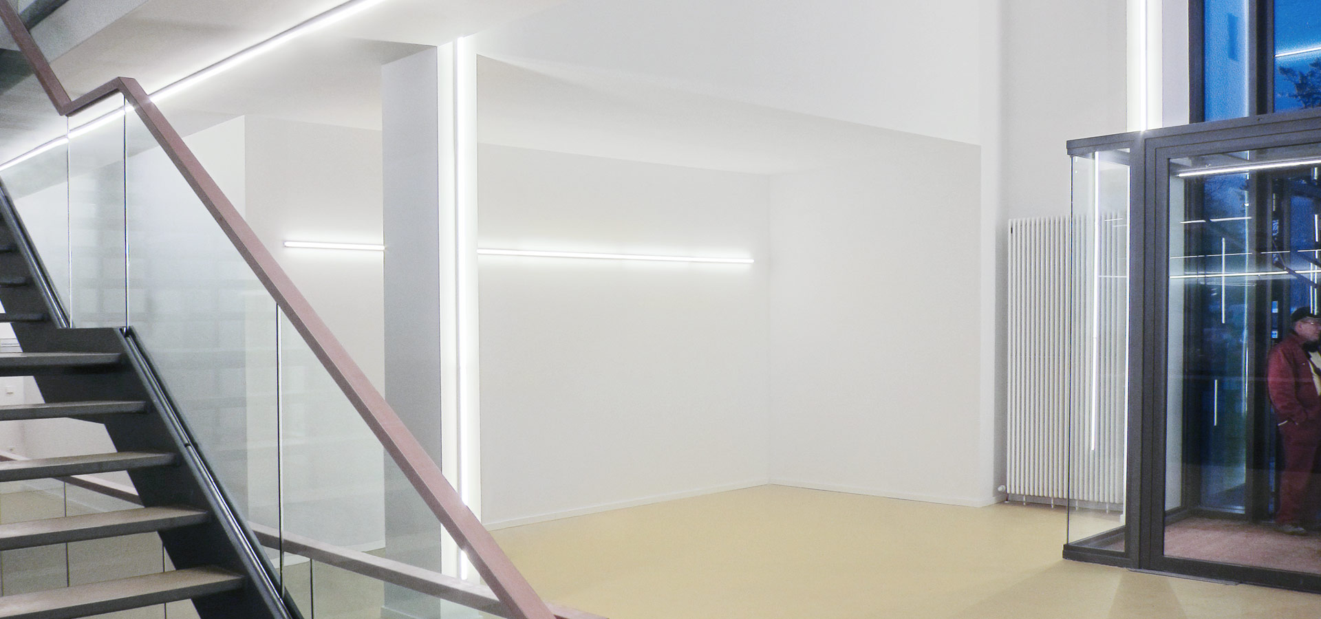 Luxsystem light line 20.2 emergency lighting for corridors