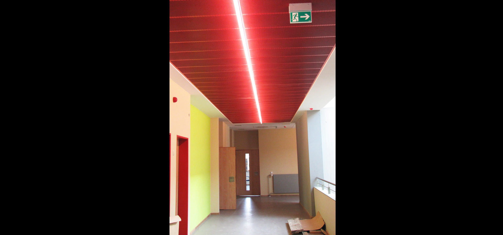 corridor lighting and emergency lighting SL 20.2 light line luxsystem