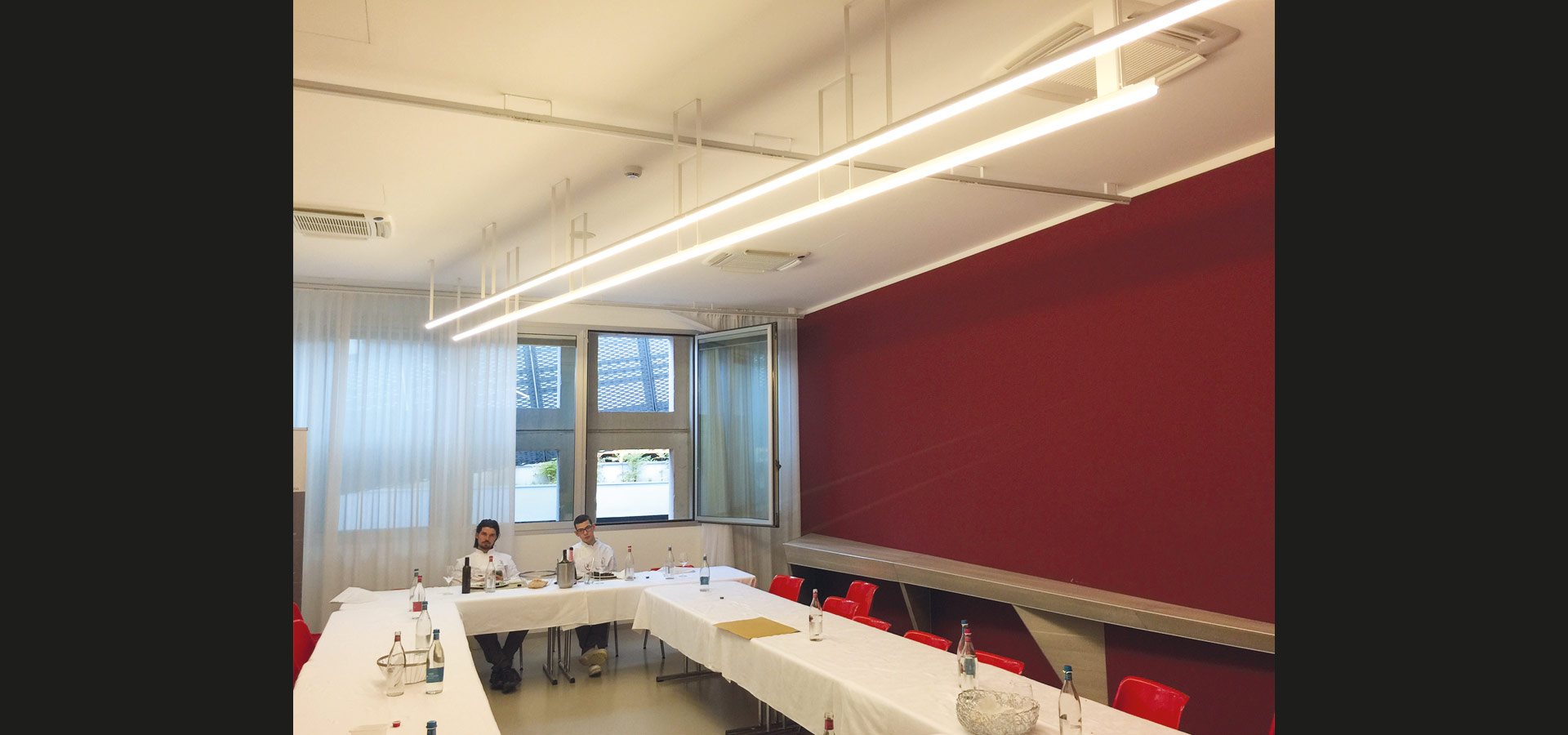 Luxsystem office lighting special luminaire conference room