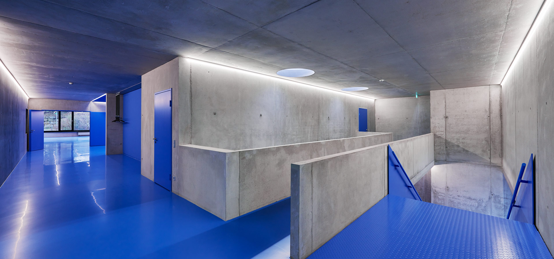 Luxsystem architectural lighting for fire station corridors led luminaire